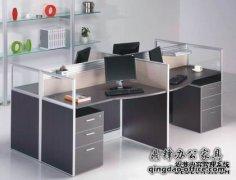 小办公室应该买什么样的办公桌?