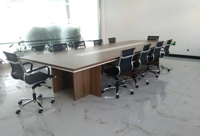 天风北路工业园会议桌图片