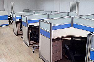 青岛办公桌屏风隔断有哪些优点,哪些材质?