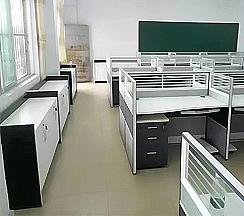 青岛黄岛区某实业公司办公隔断组合案例